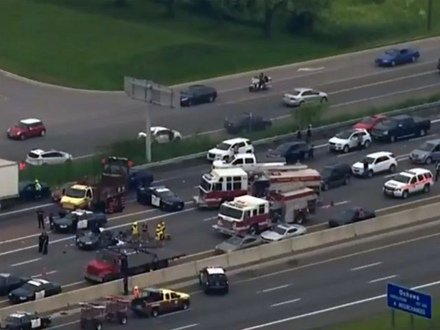 a serious fatal car crash on toronto highway 401